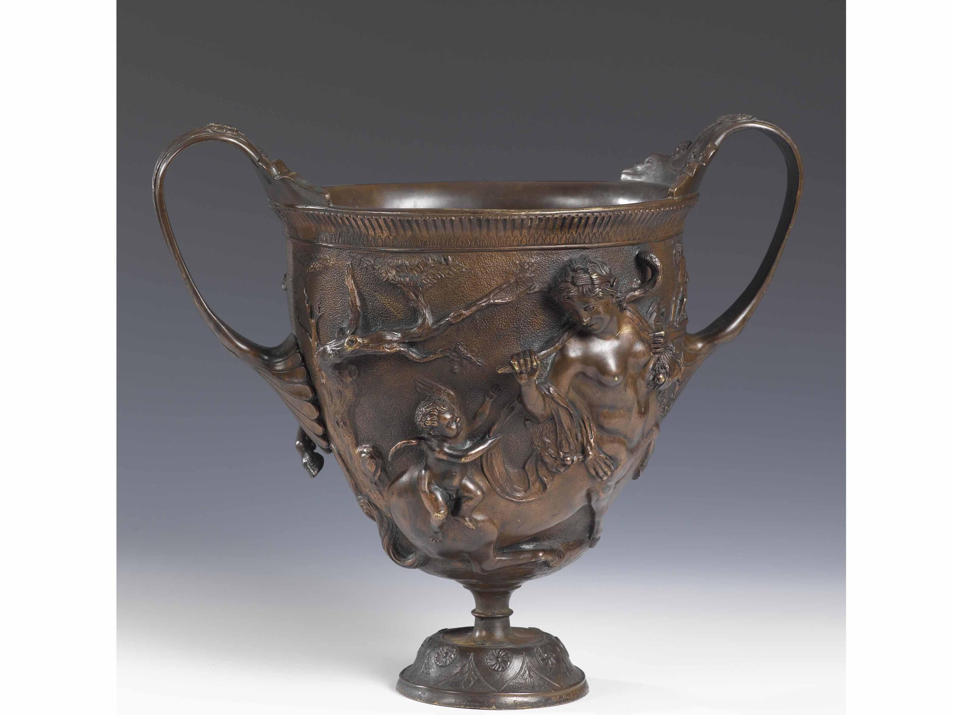 Il fascino degli oggetti antichi in bronzo rimane immutato for Oggetti antichi in regalo