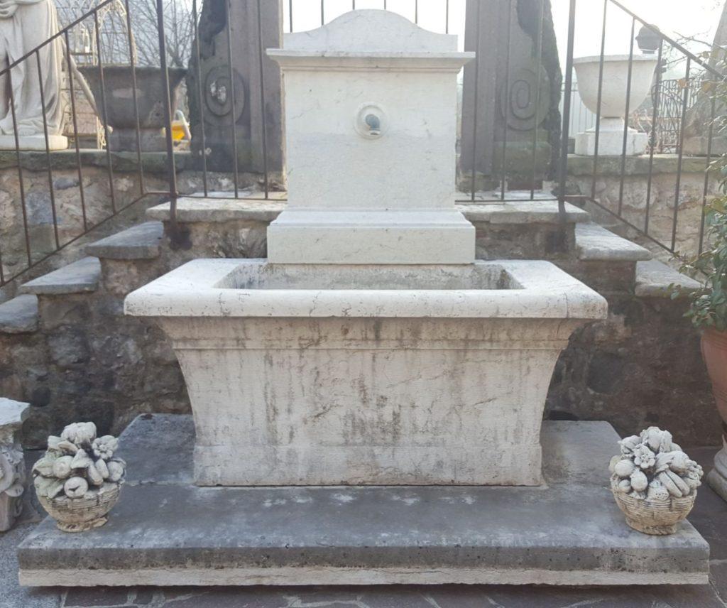 Fontane e vasche antiche