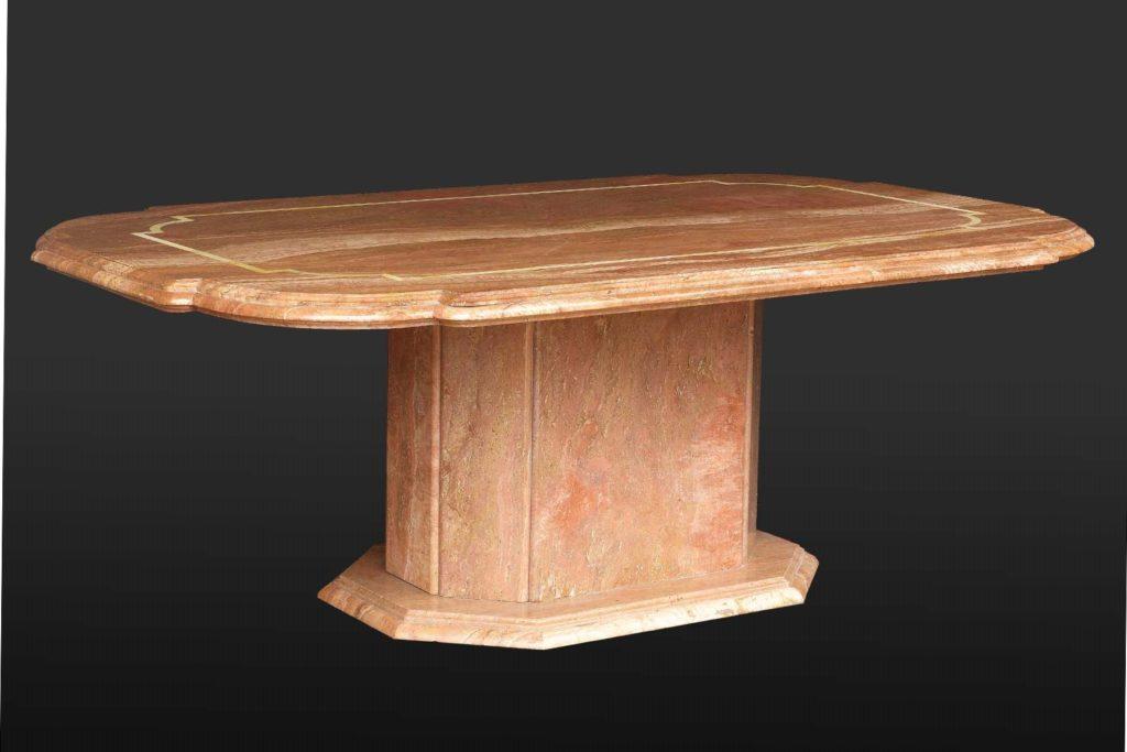 tavolo da esterno in breccia rossa