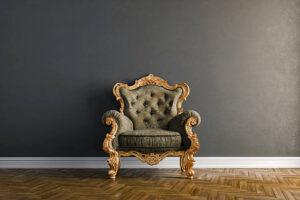 L'antiquariato e i mobili antichi in vendita: cercare online ma toccare dal vivo